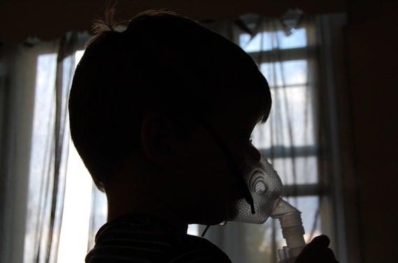 2015-08-28-1440774716-9011975-asthma.jpg